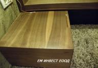 Нощно шкафче от естествен фурнир орех