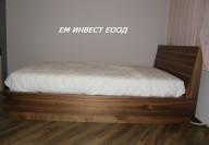 Спалня от естествен фурнир орех и МДФ