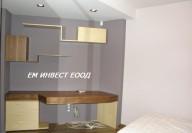 Нестандартно раздвижено бюро за детска стая от МДФ и естествени фурнири - орех и липа